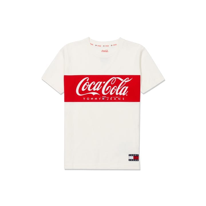 1554126002852615-SS19_Tommy-Hilfiger_TommyJeansXCoca-Cola_T-Shirt-Women_Bright-White_EUR49-90.jpg