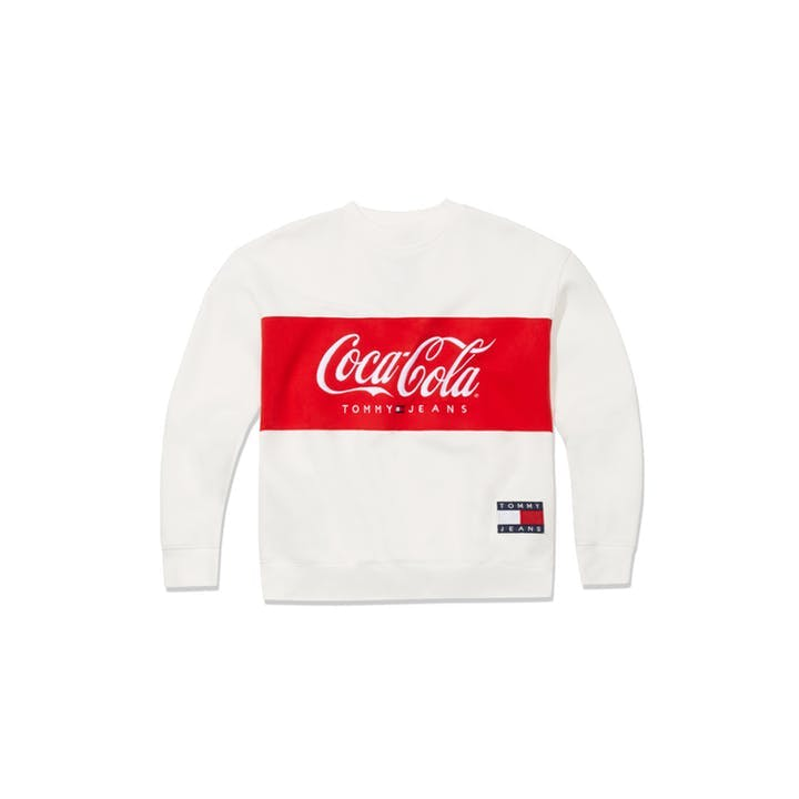 1554126002773922-SS19_Tommy-Hilfiger_TommyJeansXCoca-Cola_Sweater-Women_Bright-White_EUR99-90.jpg