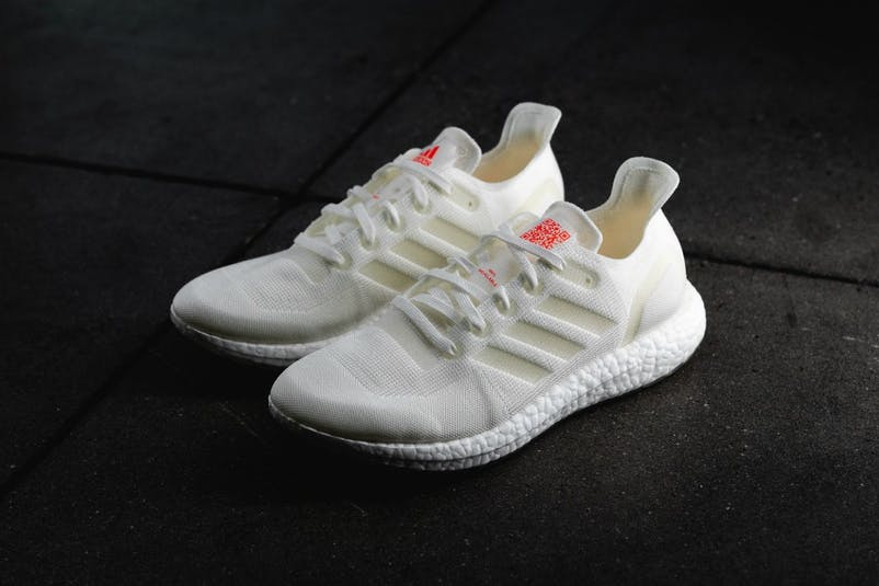 https___hypebeast.com_image_2019_04_adidas-futurecraft-loop-sneaker-recyclable-running-shoes-8.jpg