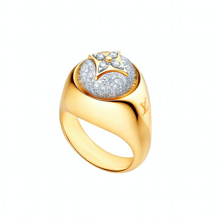 LV_Signature Ring B Blossom in yellow and white gold and paved of diamonds_EUR 10000.jpg