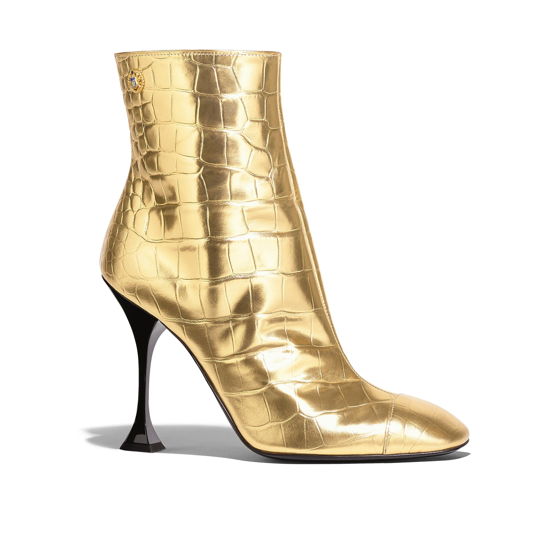 1559726673544334 04 g34902 y53030 0h813 gold boots in embossed leather hd