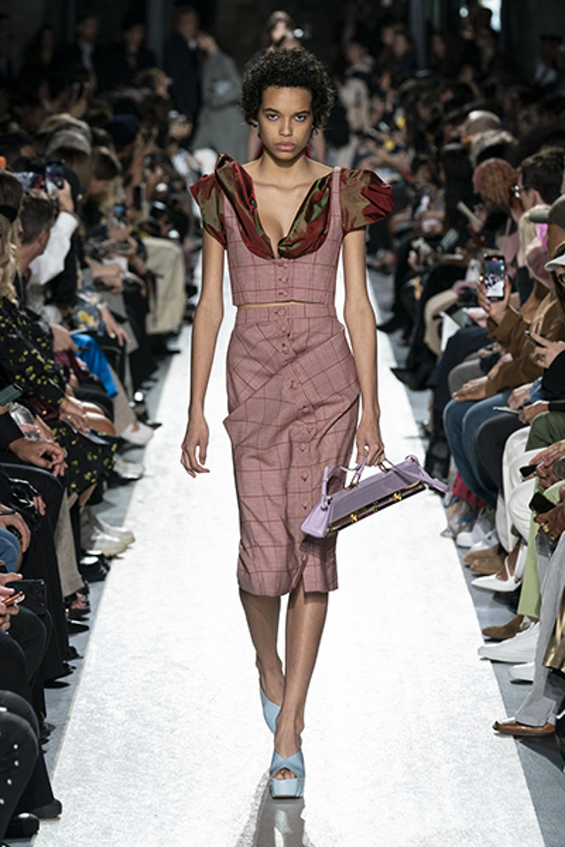 1569593459571118 by project ss20 look 37
