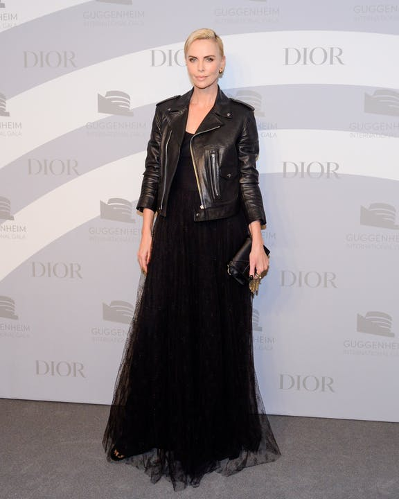 DIOR_GUGGENHEIM_INTERNATIONAL_GALA_2019_DINNER CHARLIZE THERON.jpg