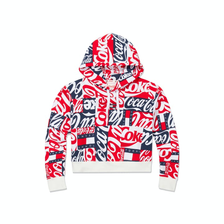 SS19_Tommy Hilfiger_TommyJeansXCoca-Cola_Cropped Hoodie Women_CocaCola Print_EUR119,00.jpg