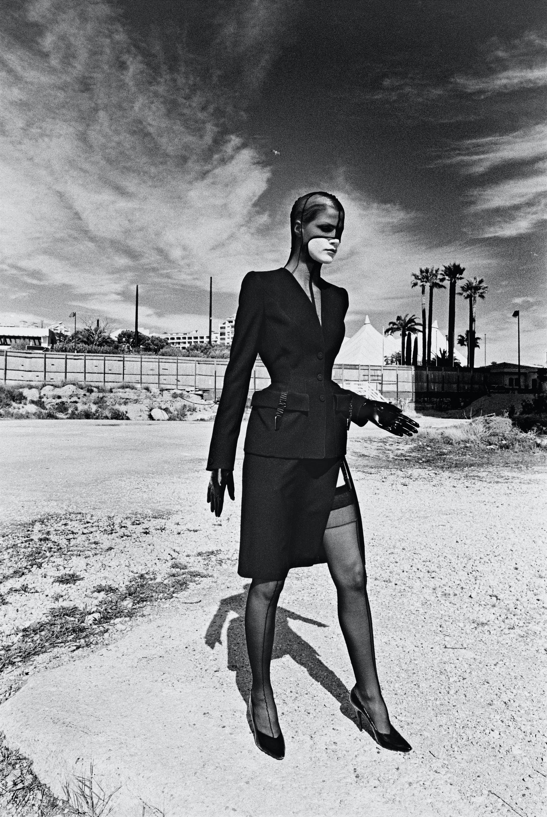 1570880558805053 6. helmut newton outfit thierry mugler