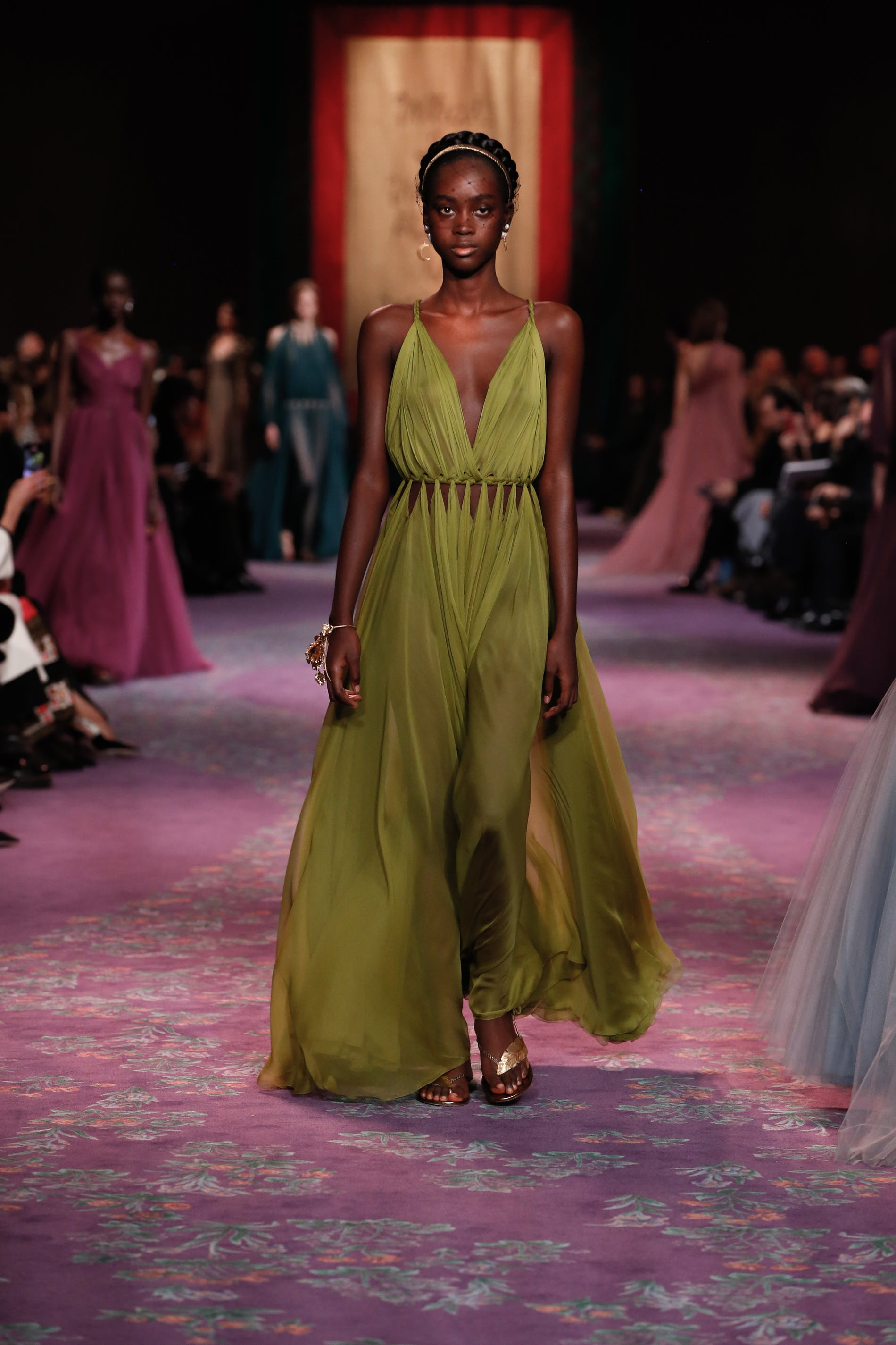 1579619400095722 dior haute couture spring summer 2020 key look 73