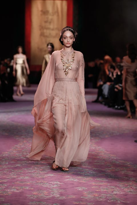 DIOR_HAUTE COUTURE_SPRING-SUMMER_2020_LOOK_7.jpg