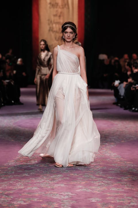DIOR_HAUTE COUTURE_SPRING-SUMMER_2020_LOOK_23.jpg