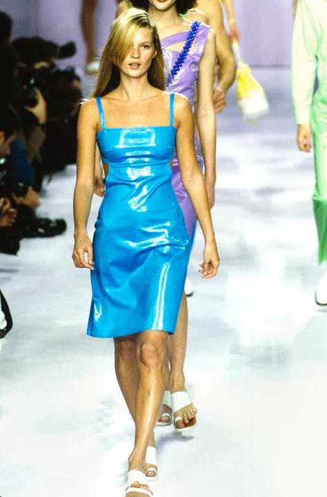 Kate-Moss-Best-Runway-Moments-Anna-Sui-S:S-1996.jpg