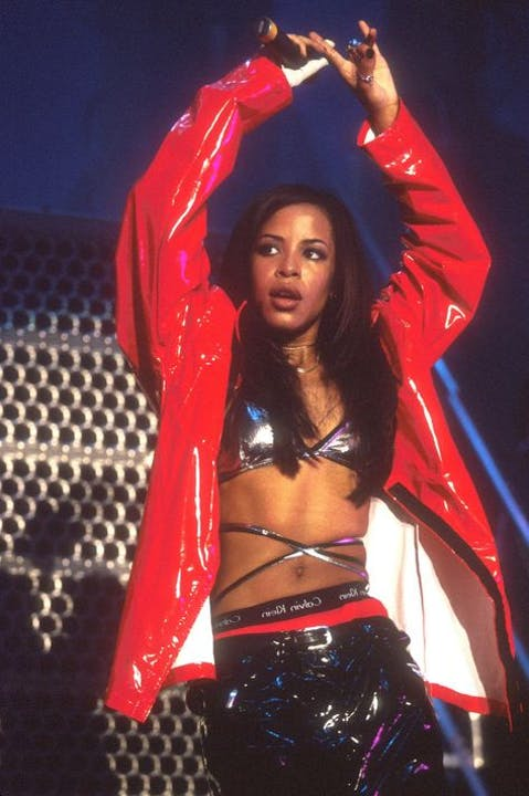 aaliyah-on-stage-style-red-jacket.jpg