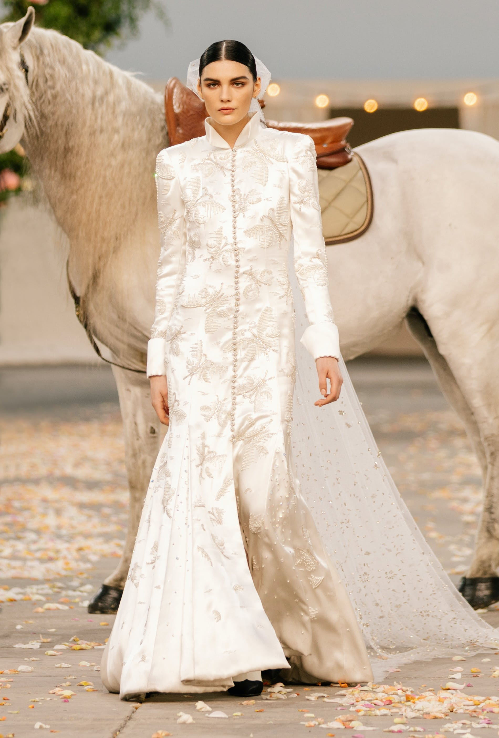 1611675230860031 1611673769328255 32 spring summer 2021 haute couture 032