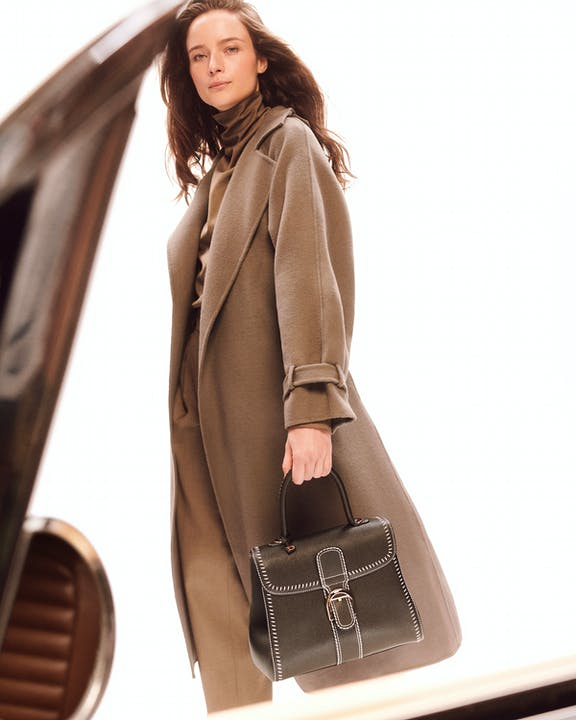 DELVAUX_AW21_CAMPAIGN_Brillant-MM-S-Flywheel-Rodeo-British-Green.jpg