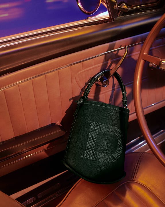 DELVAUX_AW21_CAMPAIGN_Pin-Mini-Bucket-On-The-Track-Taurillon-Soft-British-Green.jpg
