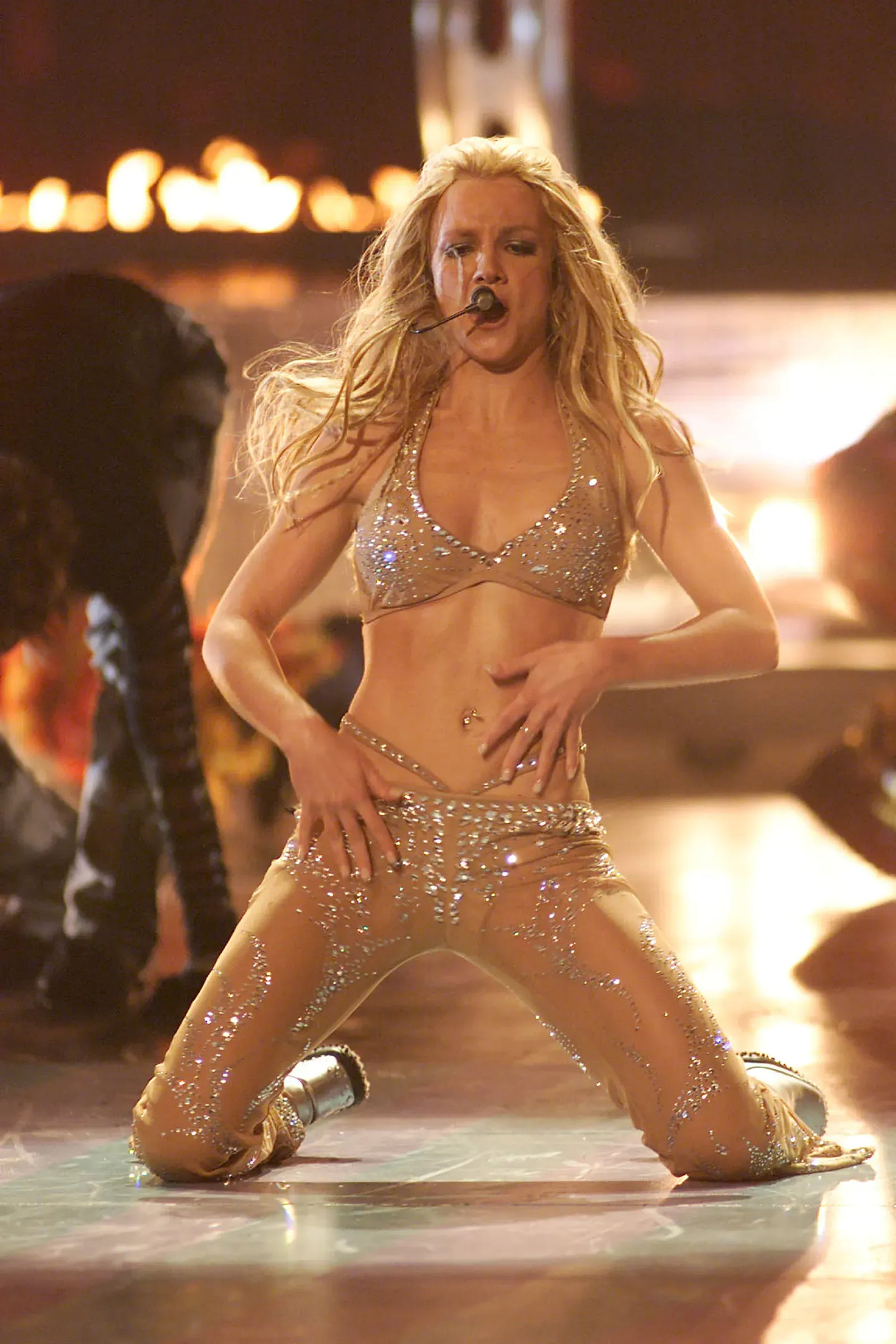 1619957826550155 1619649788 whale tail trend britney spears