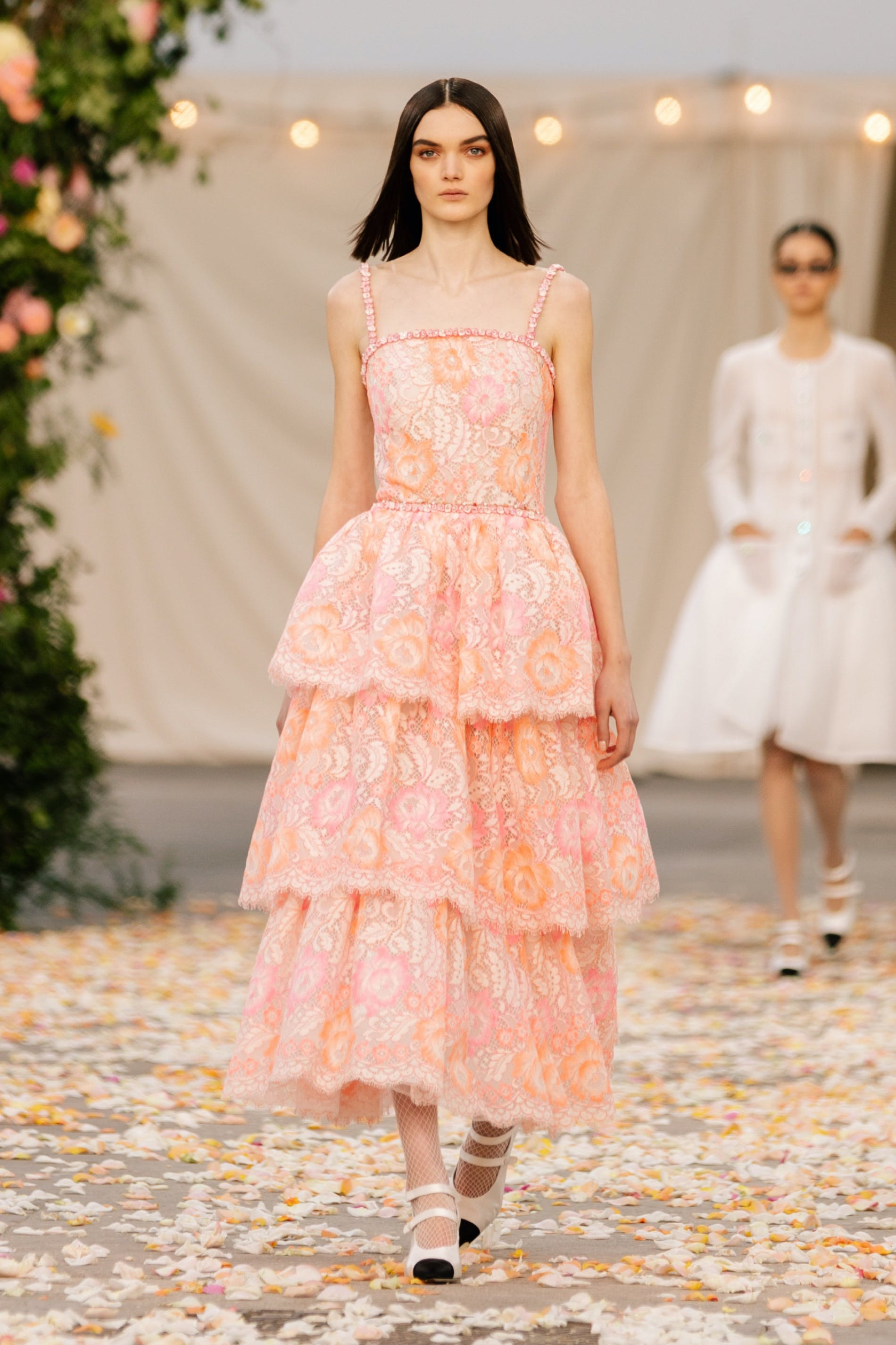 1611740617784454 chanel couture spring 2021 lofficiel monaco 14