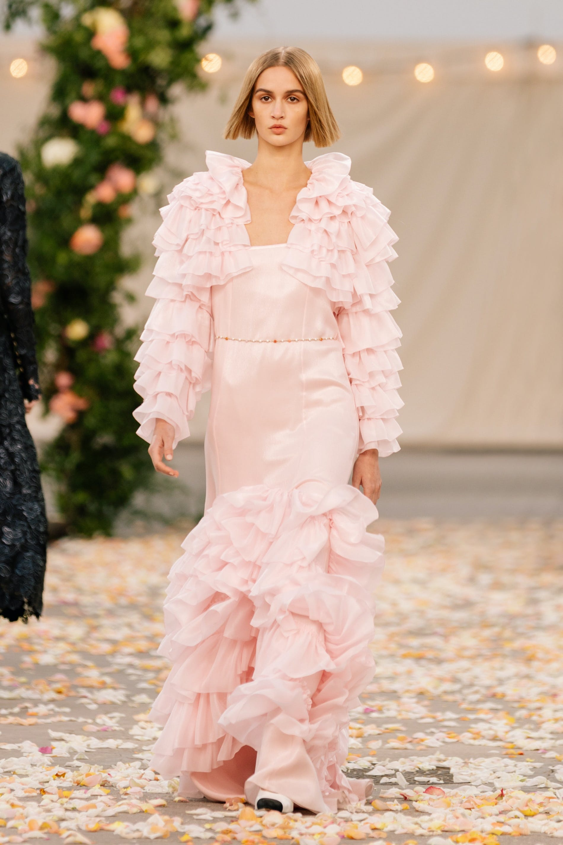1611740617933220 chanel couture spring 2021 lofficiel monaco 8