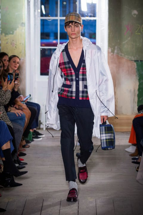 i0iWYdQburberry-september-2017-collection-look-17-1.jpg
