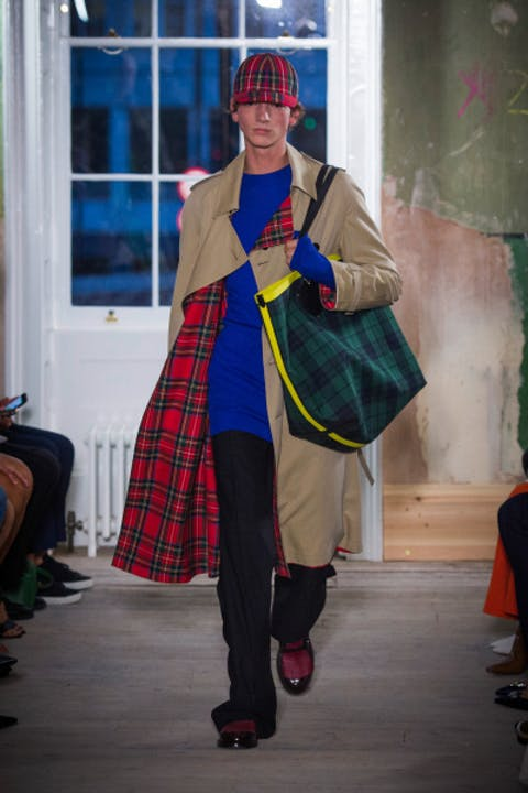 iKzgolQburberry-september-2017-collection-look-30-1.jpg