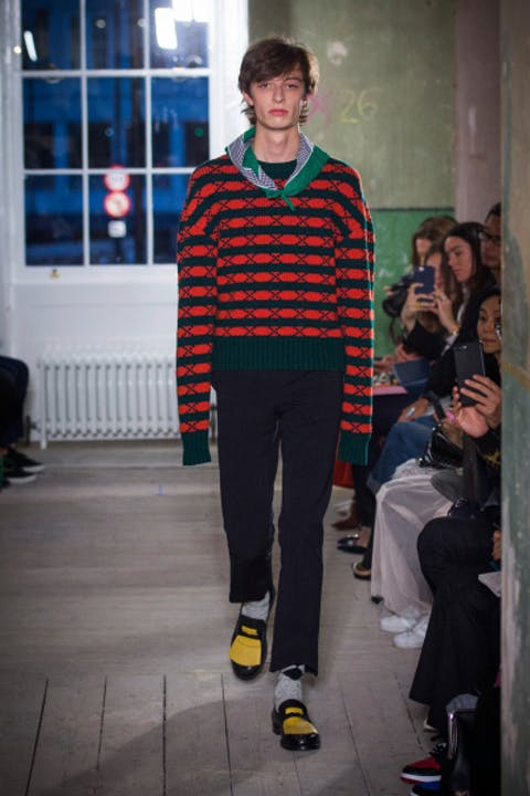 iVqN48Qburberry-september-2017-collection-look-31-1.jpg