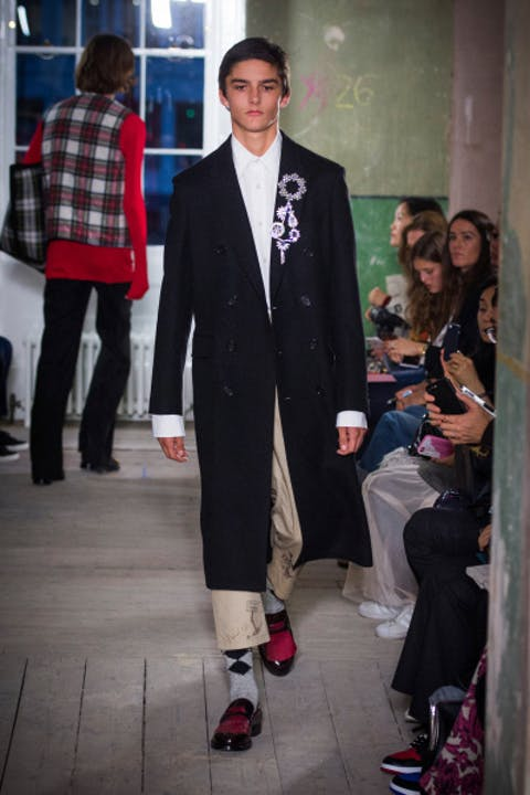 icCNfzwburberry-september-2017-collection-look-46-1.jpg